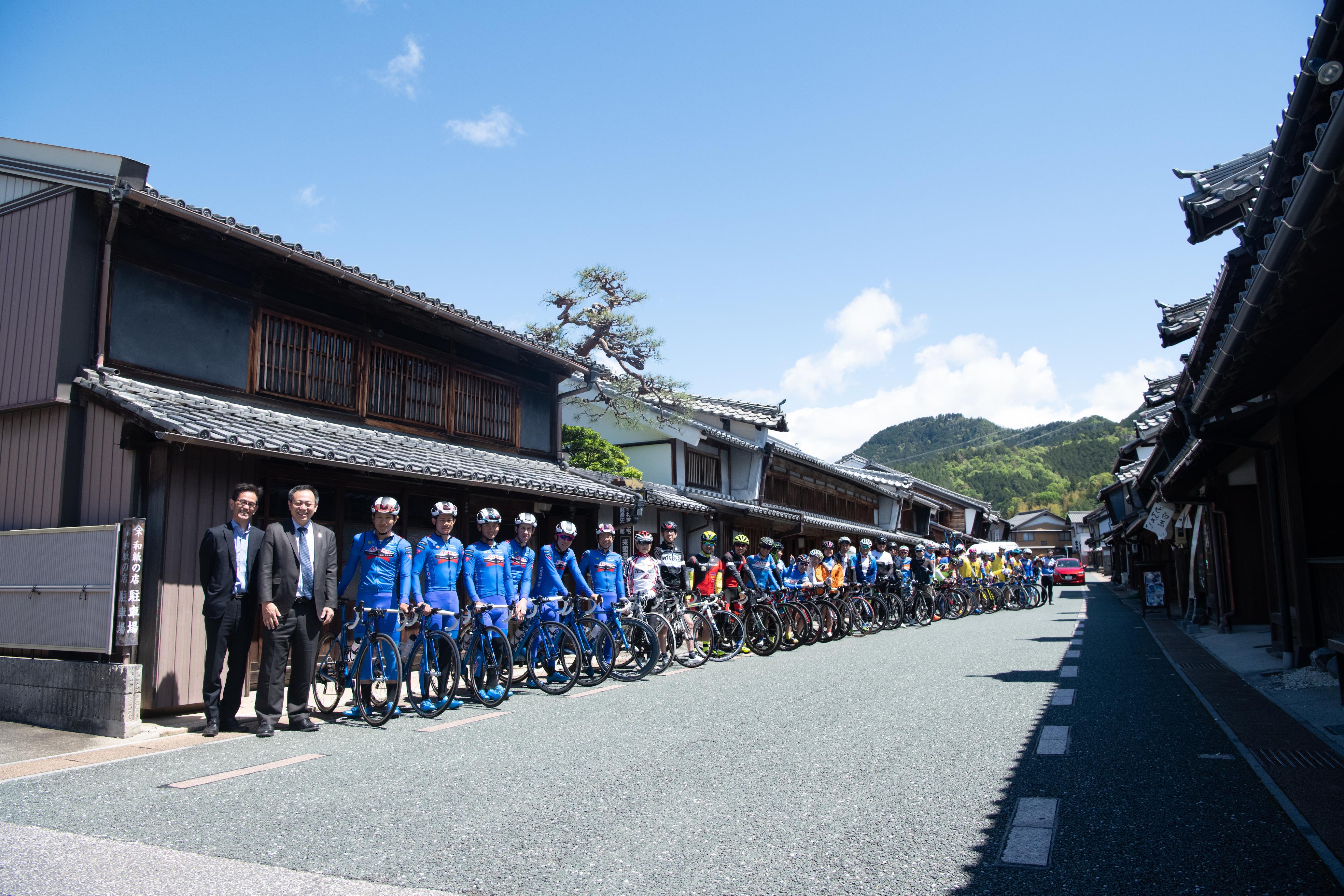 19 cycling 2.jpg